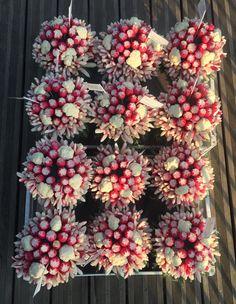 Flower Arrangements, Bouquets, Christmas Wreaths, Holiday Decor, Flowers, Home Decor, Floral Arrangements, Decoration Home, Bouquet