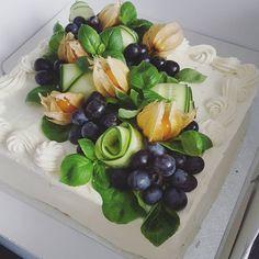 #voileipäkakku #kanavoileipäkakku Savoury Baking, Savoury Cake, Sandwich Torte, Deco Fruit, Vegan Cafe, Salty Foods, Food Garnishes, Edible Food, Food Platters