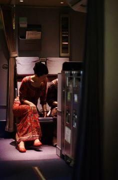 Singapore Girl (Singapore Airlines cabin crew purser) #SIA #sq #cabincrew