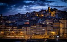 Porto – 13 Tipps für zwei Tage am Douro Paris Skyline, Travel, Porto, Road Trip Destinations, Environment, Hiking, Viajes, Switzerland, Trips