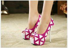 Hot pink geometric shoes!
