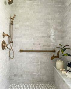 Minimalist Christmas Decor, Best Bathroom Tiles, Master Bathroom, Bathroom Ideas, Master Shower Tile, Best Bathroom Flooring, Budget Bathroom, Tiles For Bathrooms, Dark Tiled Bathroom