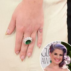 Did you know that Kelly Osbourne's manicure at this years Golden Globes was actually tipped with 14k gold?