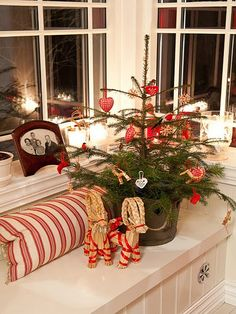 The holiday fervor is always high during the Christmas. Even if you are short of space, you needn't cut down on your preparations. You need not always invest in a huge tree to bring the festive look to your home. Instead, a small Christmas tree aesthetically decorated can fill all the gaps...