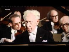 Frédéric Chopin Piano Concerto N.º 2 Op. 21 in F minor: Maestoso-Larghetto-Allegro Vivace. Arthur Rubinstein, pianist. London Symphony Orchestra conducted by André Previn (HD video)
