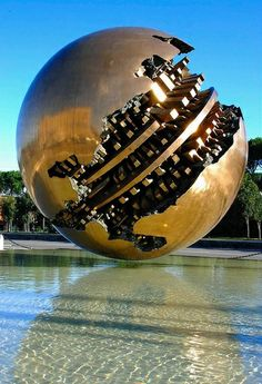 Perfect Planet. Roma - Arnaldo Pomodoro - Ball n° 5 © Stefano Scarselli