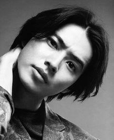 Artists And Models, Boy Models, Rei Arthur, Kento Nakajima, Handsome Asian Men, Kento Yamazaki, Japanese Men, Poses, Asian Actors