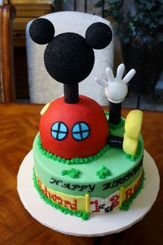 Mickey Mouse Clubhouse Cake  www.facebook.com/clairescutecakes