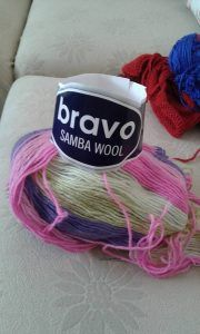 Şık Bebek Yeleği Yapılışı Anlatımı – elisiorgudukkani.com Vestidos Bebe Crochet, Baby Cardigan, Baby Knitting Patterns, Wool, Dresses For Babies, Tricot, Breien