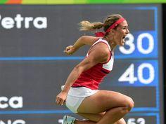 Tennis-Turnier: Monica Puig steht im Endspiel  Schon jetzt hat Puig Olympiageschichte geschrieben: Sie wird die erste Frau sein, die für Puerto Rico eine Medaille holt. Die Frage ist nur, ob es Silber oder Gold wird. Feststeht: Bisher haben nur Männer Edelmetall für Puerto Rico gewonnen. Sollte Puig auch noch das Finale gewinnen, wäre es die erste Goldmedaille für die kleine Nation von der Tropeninsel 1.800 Kilometer südöstlich von Florida.