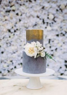 Here are the top wedding cake trends of including geode cakes, naked cakes and gold leaf cakes. Amazing Wedding Cakes, Elegant Wedding Cakes, Wedding Cake Designs, Elegant Cakes, Grey Wedding Cakes, Purple Wedding, Floral Wedding, Luxe Wedding, Mod Wedding