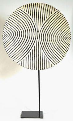 Tikar Shield (round)
