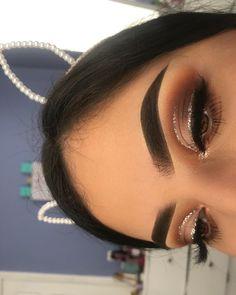 trendy ideas for makeup lips tutorial kylie jenner make up Perform Safe: Wedding Makeup is of utter … Baddie Makeup, Glam Makeup, Skin Makeup, Eyeshadow Makeup, Full Face Makeup, Makeup Primer, Drugstore Makeup, Eyeshadows, Concealer