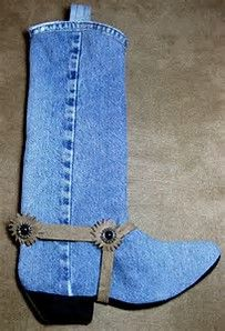 Craft Idea: Country Cowboy Cowgirl Western Boot Christmas Stocking Denim Jeans Craft--Picture only--no link Christmas Stocking Pattern, Christmas Sewing, Christmas Projects, Holiday Crafts, Christmas Patterns, Western Christmas, Noel Christmas, Jean Crafts, Denim Crafts