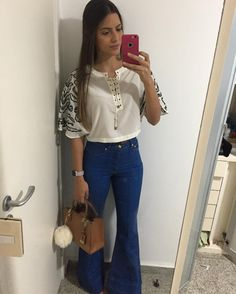 22.9 mil seguidores, 1,281 seguindo, 1,509 publicações - Veja as fotos e vídeos do Instagram de CATARINA (@catarinacanales) Jean Outfits, Cute Outfits, Fashion Outfits, Fashion Trends, Looks Style, Casual Looks, Jeans Pants, Jean Shorts, Flare Pants