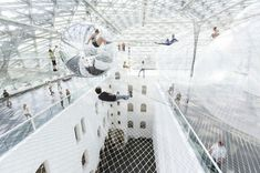 Artist Tomás Saraceno's latest art installation In Orbit which is now ongoing at the Kunstsammlung Nordrhein-Westfalen in Germany, is a pretty cool work. Constructed out of safety nets suspended above ground across three levels, the structure is held apart by airfilled PVC balls. Visitors can mess about in mesh nets and pretend they can walk [...]