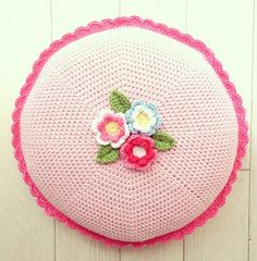 I love this Round Crochet Cushion with Flowers by Cupcakejojo on Instagram