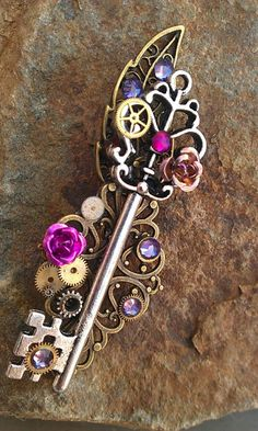 Mechanical Garden Fantasy Key by ArtByStarlaMoore on DeviantArt Key Jewelry, Cute Jewelry, Jewelery, Jewelry Making, Old Keys, Magical Jewelry, Fantasy Jewelry, Fantasy Art, Antique Keys