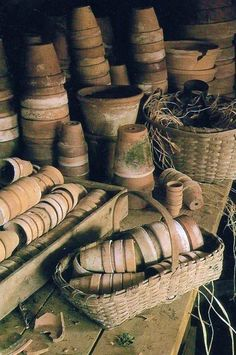 MEET ME IN THE GARDEN... More terracotta pots.  Don't you just love 'em!