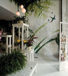 Aktipis flower shop by Point Supreme architects