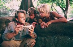 Ariana Richards as Lex in Jurassic Park. She faces a raptor to save her brother and hacks into the computer database to bring Jurassic Park back online Jurassic Park Film, Jurassic Movies, Jurassic World 2015, Michael Crichton, Christopher Reeve, John Deacon, Chace Crawford, Ariana Richards, Disney Pixar
