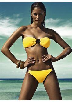 20211f242b Swimsuits Bandeau Bikini With Detail at Pesca Boutique Swimwear