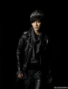 of wearing leather Vic Chou, Hua Ze Lei, Aaron Yan, Leather Pants, Punk, Mens Fashion, Actors, How To Wear, Jackets