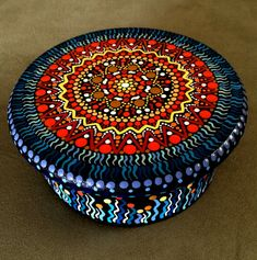 Round Hand Painted Wooden Box  Keepsake  Mandala  por DotsMania, $30.00