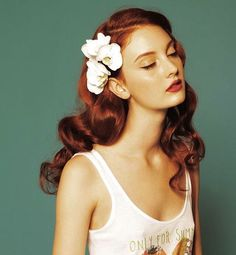 Hairstyle How-To: Get Vintage 40s Waves With #Redhead Bobby Pins