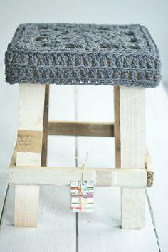 wool & wood stool
