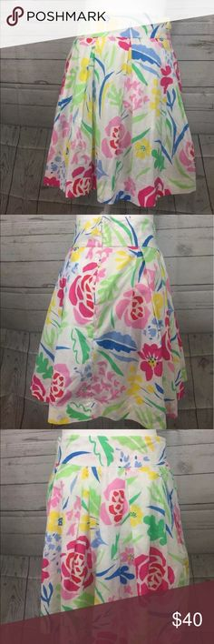 """Southern Tide Kinsley Skirt in Kiawah Floral Southern Tide  Kinsley Skirt in Kiawah Floral  Womens 2   100% Cotton   Measurements Approximate: Waist-14"""" Length - 18"""" Southern Tide  Skirts"""