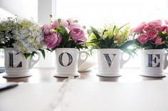 bridal shower decor (anthropologie mugs). Creative Flower Arrangements, Flower Centerpieces, Wedding Centerpieces, Floral Arrangements, Flower Vases, Teacup Flowers, Diy Flower, Table Centerpieces, Table Decorations