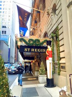 ELIOT RAFFIT Christmas in New York - Luxury Hotels