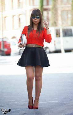 RED 3-4-2014  Falda: La Donna Tatuata Jersey: Zara Clutch: Zara