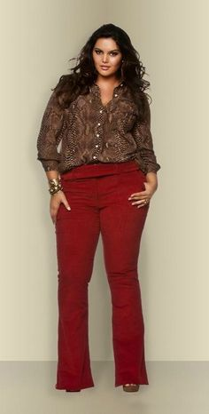 Such a cute outfit for fall and for work. #plussize