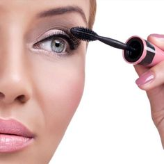 There are numerous options available for the bride. Like as a classic red lip make up look or nude lips, super glam Smokey eyes makeup, red lip, and bronzy skin and so on. There can be endless options available for the same. It all depends upon the bride to bride personality type and their desire to be looked like.