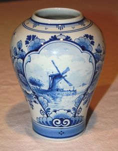 Royal Delft Porceleyne de Fles Blue Windmill Vase