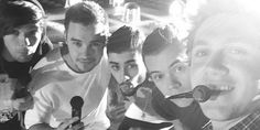 One Direction On the Road Again tour first group selfie -Sugarscape.com