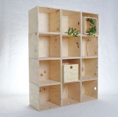 Like Butter - Ply milk crates Pallet Crates, Old Crates, Wooden Crates, Wine Crates, Cube Furniture, Plywood Furniture, Furniture Design, Cube Shelves, Storage Shelves