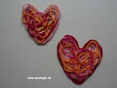 Herzen aus Wollresten / Hearts made with scraps of yarn / Upcycling