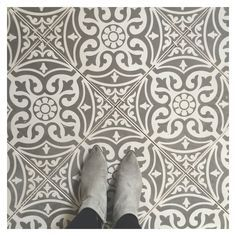 Our Devon stone floor tiles make a wonderful feature of any hallway or bathroom. Use the Devon stone base tile as a border to create a real focal point or across the whole floor for a real statement. This ceramic tile comes on a white biscuit and is perfe Tiled Hallway, Hallway Flooring, Kitchen Flooring, Hall Tiles, Linoleum Flooring, Farmhouse Flooring, Basement Flooring, Tiles Uk, Tile Stairs