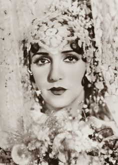 Vamps and Flappers: Photo Vintage Photographs, Vintage Photos, Vic Damone, Dolores Costello, Bebe Daniels, Jane Powell, Vintage Outfits, Vintage Fashion, Vintage Clothing