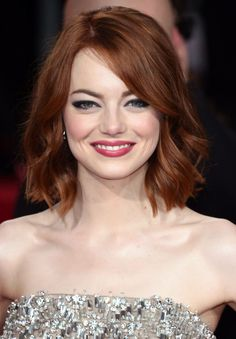 """The copper hair color """"ronze"""" look has been heating up red carpets from the Golden Globes to the Grammys. Ronze is a coppery red hair combining red and bronze hair color. Short Hair Trends, Short Hair Styles, Emma Stone Hair Color, Auburn Hair, Ginger Hair, Hair Dos, Bob Hairstyles, Bob Haircuts, Modern Hairstyles"""