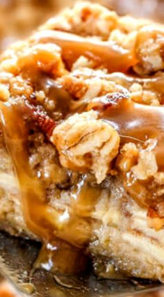 Salted Caramel Apple Pie Blondies ~ A soft, chewy buttery blondie base, layered…