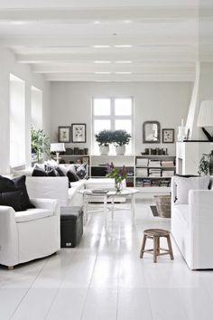 In deze mooie woonkamer zijn de muren roze geschilderd!   woonkamer ...