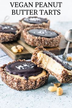 Vegan Peanut Butter Tarts - C is for COOKIE, and cookie is for me - Cookie Monster - Desserts Raw Desserts, Vegan Dessert Recipes, Vegan Sweets, Healthy Sweets, Gluten Free Desserts, Whole Food Recipes, Raw Recipes, Health Desserts, Healthy Recipes
