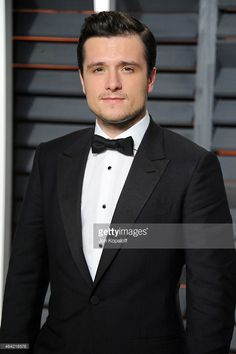 Actor Josh Hutcherson attends the 2015 Vanity Fair Oscar Party hosted by Graydon Carter at Wallis Annenberg Center for the Performing Arts on February 22, 2015 in Beverly Hills, California.
