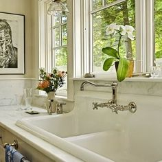 Love this sink area.