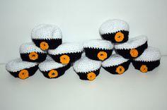 Pysselstad: Gratis mönster till virkade studentmössor Stick O, Blogg, Chrochet, Crochet Crafts, Needlework, Crochet Patterns, Crochet Ideas, Beanie, Textiles
