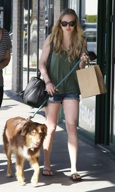 amanda seyfried dogs photos | Amanda Seyfried: Dogs day out | Coolness